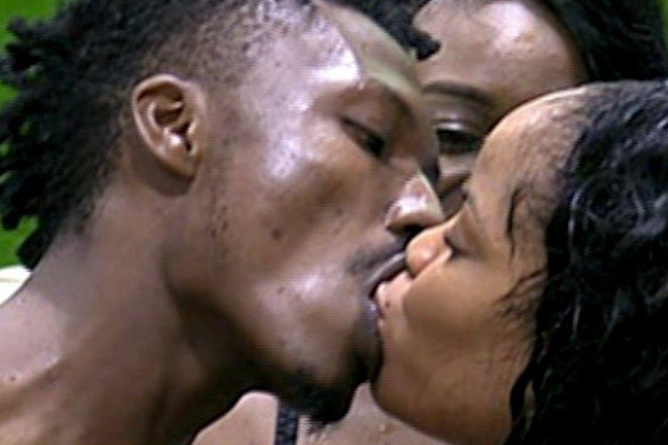 28 kiss me 004 pre
