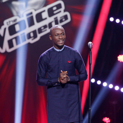 52 grey singing during the blind auditions  1  004 pre