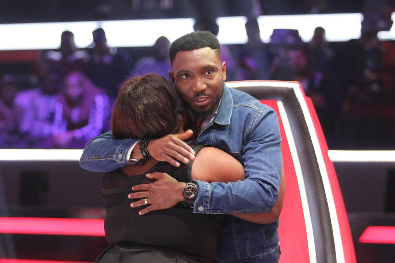 33 nwando gets hug from timi dakolo 004 pre