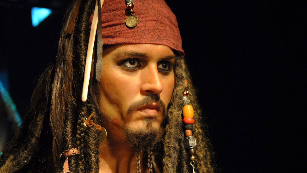 Depp to have surgery
