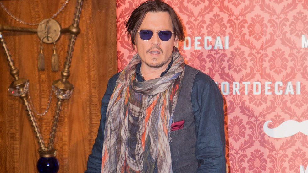 Johnny Depp press shot, pirate, shades