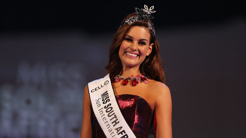 2014winner of Miss South Africa, Rolene Strauss.