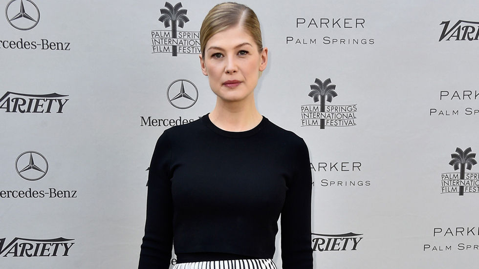 Rosamund Pike press shot, upper body
