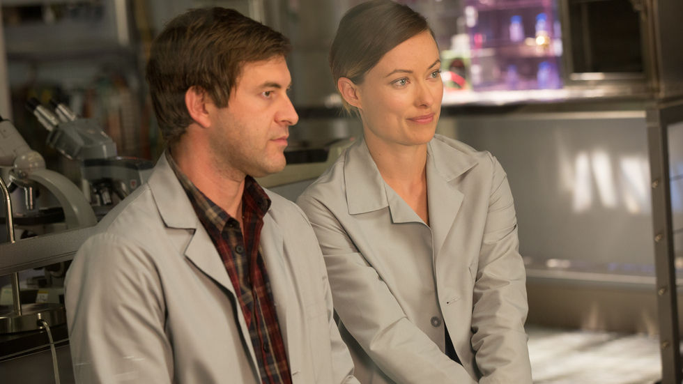 Olivia Wilde and Mark Duplass in The Lazarus Effect.
