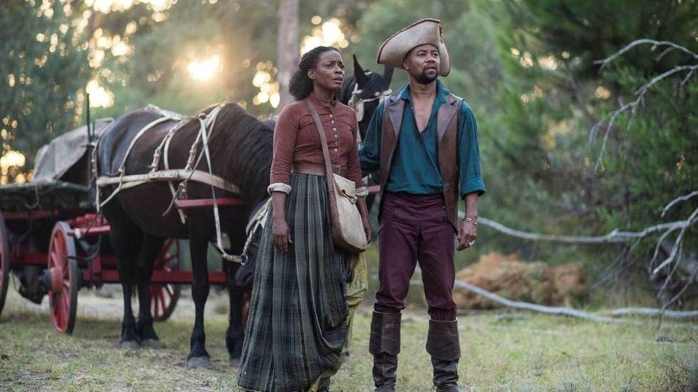 Aunjanue Ellis and Cuba Gooding Jr in The Book of Negroes