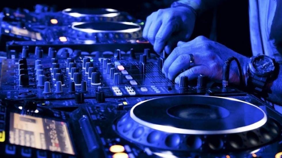 DStv,TT__origin__63x1_DJ1
