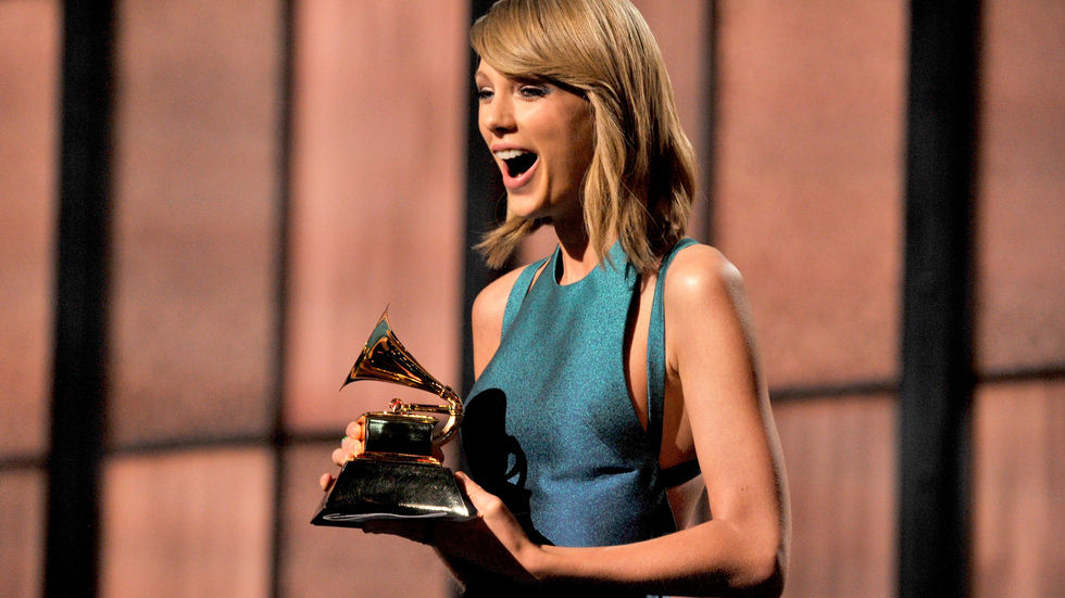 Grammy Awards 2015, Taylor Swift, blue, dress, winning, grammy