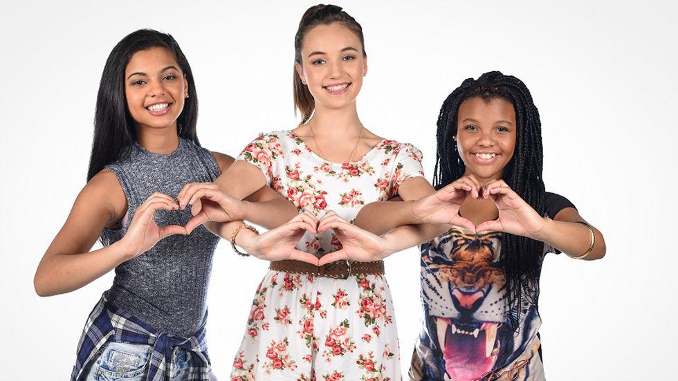 An image of I Love Violetta hosts Aneeqah Sulaiman,  Enhle Ntombela and Sophie de Bruyn