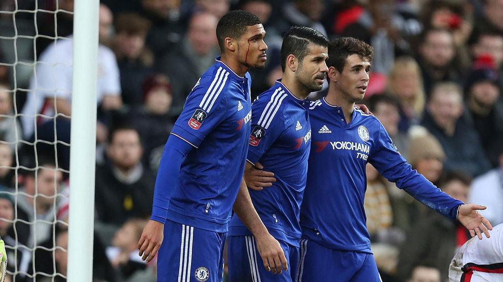 Oscar celebrates with his teammates.