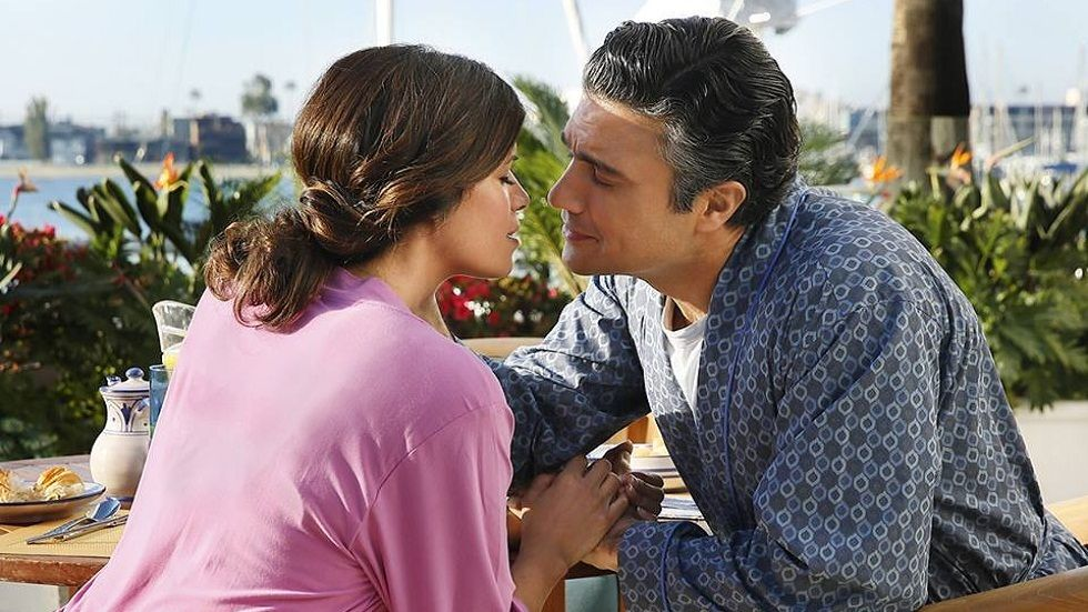 Rogelio and Xo in Jane the Virgin