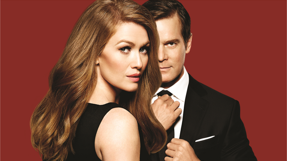 Mireille Enos and Peter Krause in The Catch