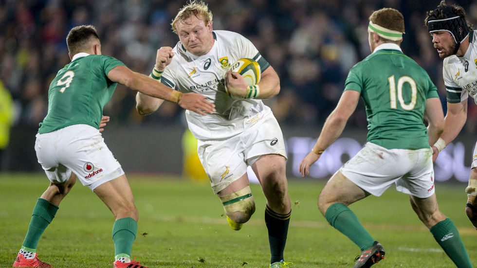 Springboks captain Adriaan Strauss on the attack.