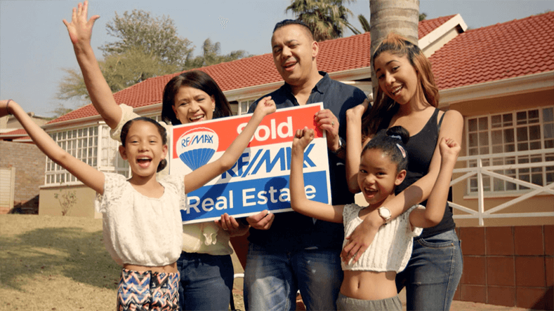 Brands on Demand - Remax Kelly Family picture