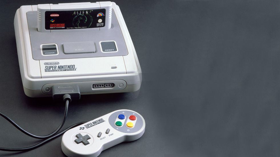 Super Nintendo Entertainment System, 1992. Computer games console with 'Alien 3' game cartridge and one hand-held controller made by Nintendo, Japan. (Photo by SSPL/Getty Images)