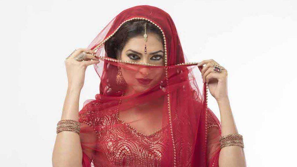 Eve D Souza as Varshita