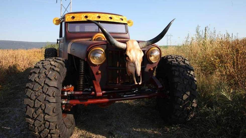 Big vehicle with animal head and horns