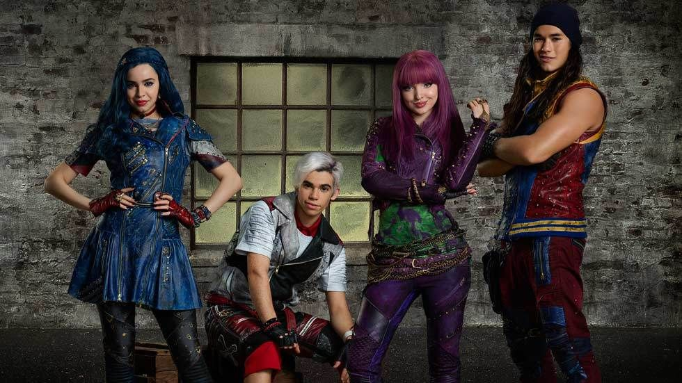 Cast of Descendants 2 on Disney Channel, channel 303 on DStv
