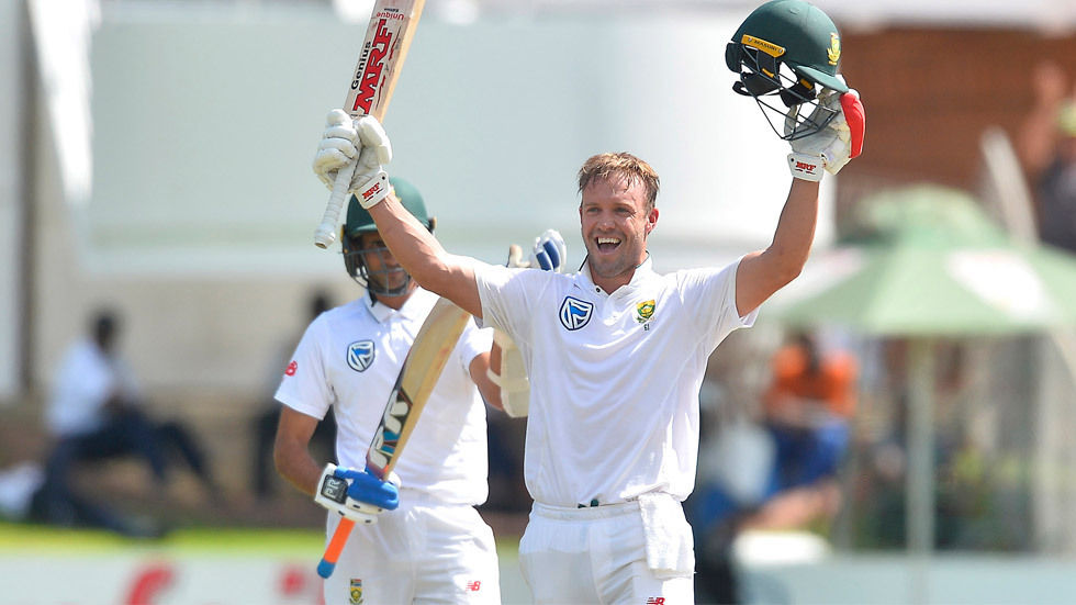 AB de Villiers celebrates a ton against Australia.